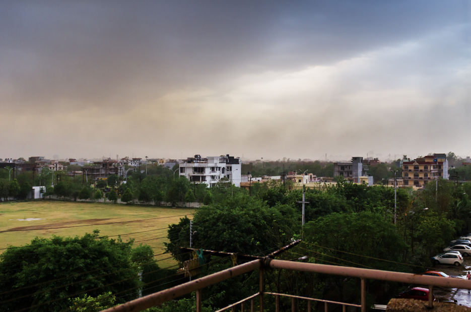 Storm clouds, sunset and rain. Photography by professional Indian lifestyle photographer Naina Redhu of Naina.co