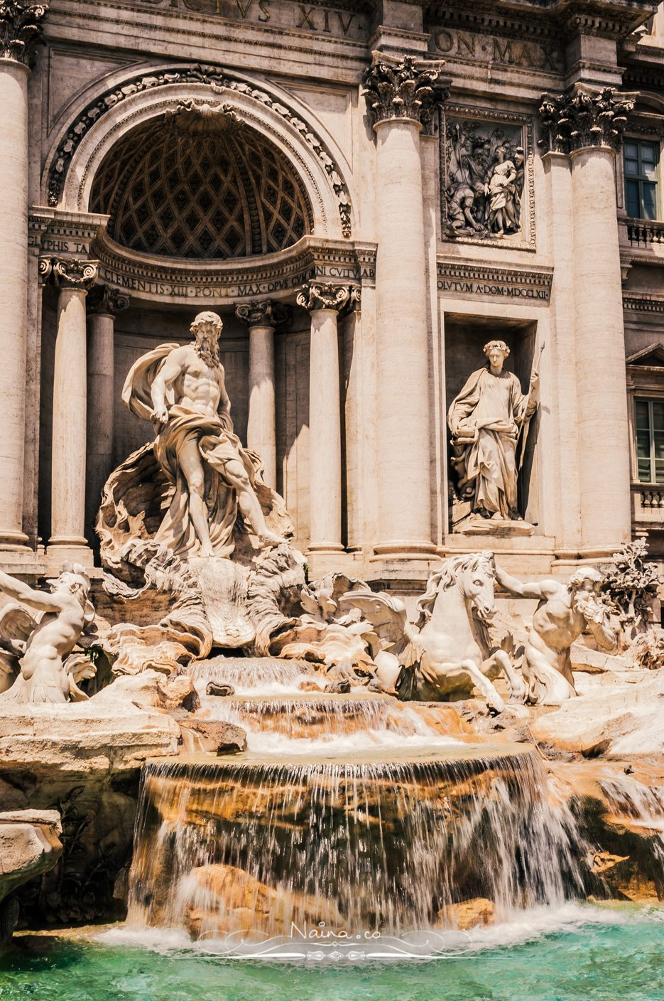 Trevi-Fountain-Rome-Italy-Fendi-Restoration-Lifestyle-Luxury-Photographer-Blogger-Naina.co-Travel-Photography-3