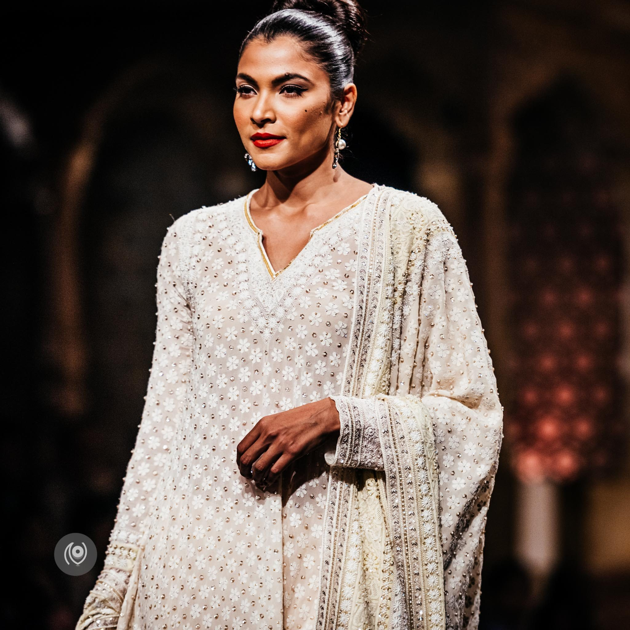#SwarovskiCrystals Abu Jani Sandeep Khosla, BMW India Bridal Fashion Week, #BMWIBFW, Naina.co Luxury & Lifestyle, Photographer Storyteller, Blogger.